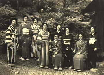 昭和14年頃の芸者さん達