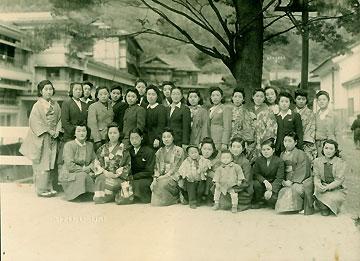 1946・10月昭和21年同級会の記念写真