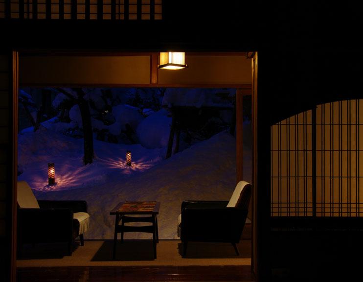 会津の写真館 向瀧ひらたが撮影する2011年雪見ろうそくです